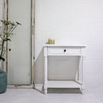Biggie Best White Beach House Bedside Table CF11L025. A deluxe bedside table. Perfect to sit in your beach house or summer house.