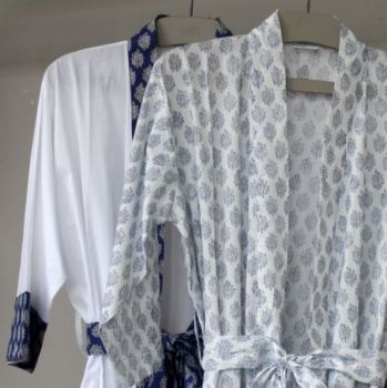 Biggie Best Piri Indigo Dressing Gown GOWN/08. A gorgeous white dressing gown with floral print. Comes in a delightful gift bag.