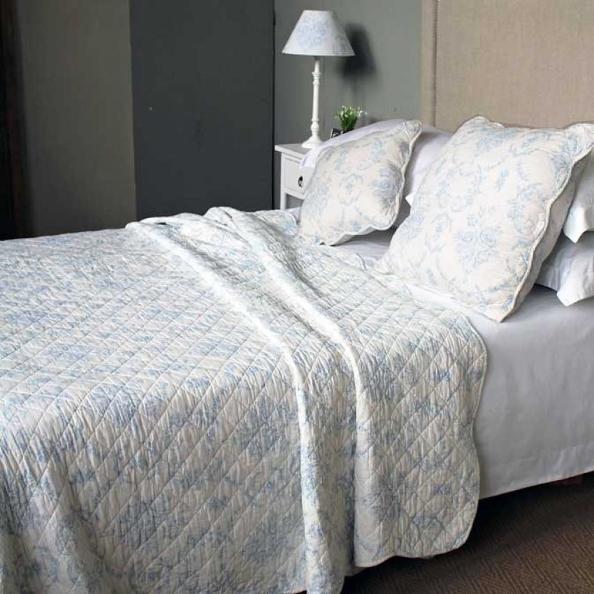Blue Toile Bedspread-Quilt