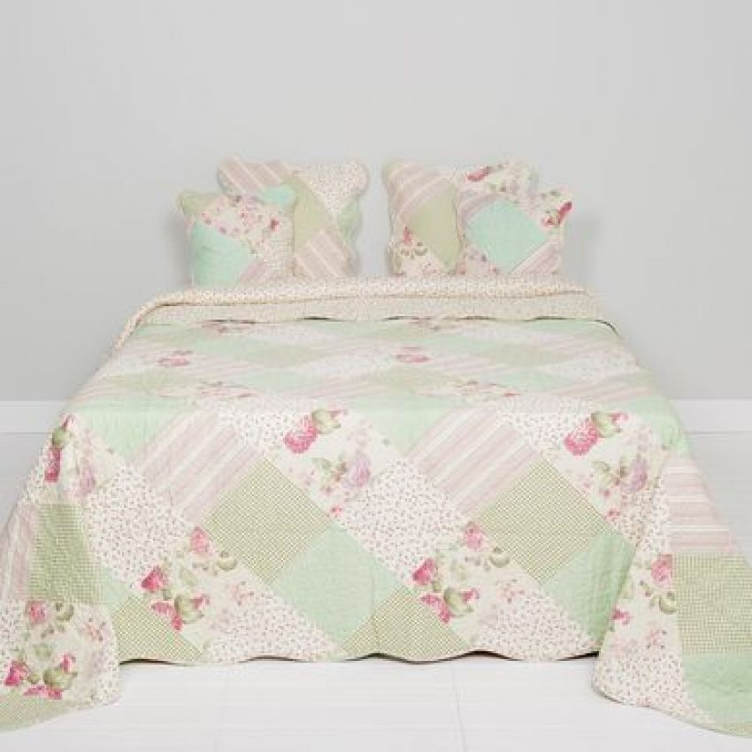 Clayre and Eef Green Floral Patchwork Bedspread