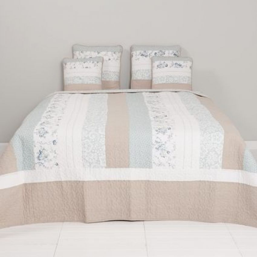 Clayre and Eef Blue and Pink Striped Bedspread