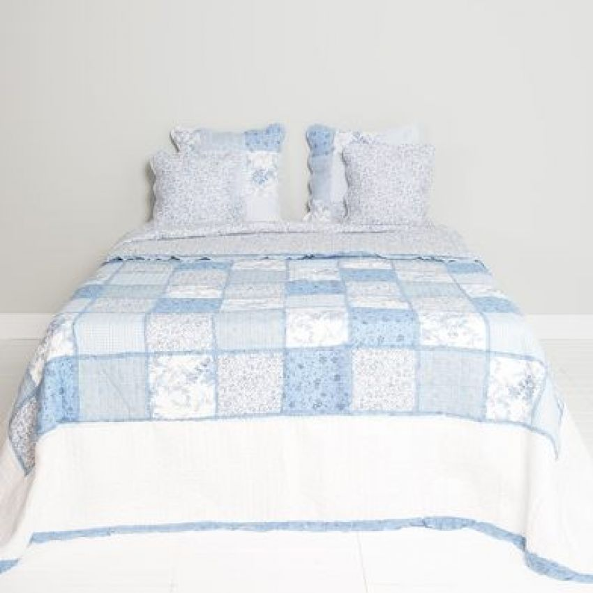 Clayre and Eef Blue and White Patchwork Bedspread