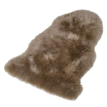 Taupe Sheepskin Rug HPR002. A stunning sheepskin rug. Great comfort and warmth. Perfect to sit in your living room or bedroom.