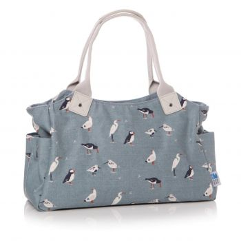 RSPB Birds Cloth Day Bag 60950. This cloth material bag is a brilliant piece with RSPB birds dotted across it. Perfect for holding your everyday items!
