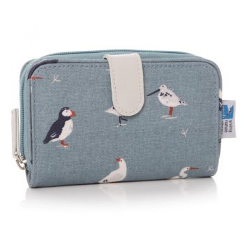 RSPB Birds Oil Cloth Purse 60952. This cloth material purse is a brilliant piece with RSPB birds dotted across it. Perfect for holding your everyday items!