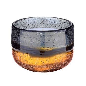 Voyage Maison Single Amber Candle vg18012. Dynamic swirls of vivacious amber and charcoal dance around this organic shape. A truly captivating piece, reminiscent of a contemporary impressionist landscape. A fantastic candle gift.